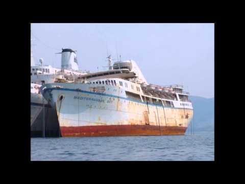 TOP 10 SHIPWRECKS IN GREECE