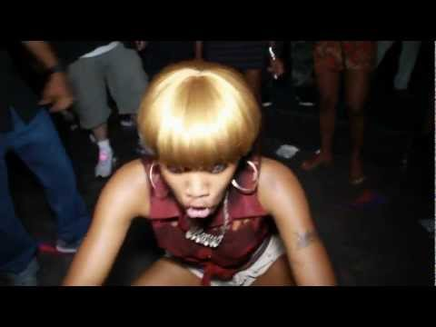 When It's Video Light, Every Gyal Pum Pum Tup Up
