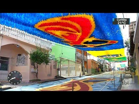 Em Manaus, moradores fazem força-tarefa para decorar ruas para Mundial   SBT Brasil (11/06/18)