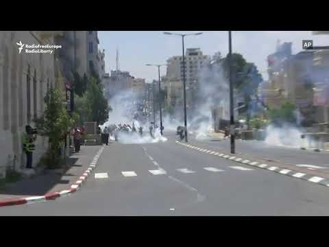 Palestinians Clash With Israeli Troops In West Bank