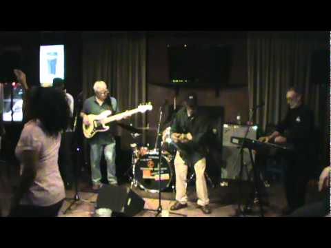 Archie Bell & the Drells  Tighten Up  Twist & The Groove Machine