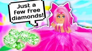 SHE STOLE ALL THE DIAMONDS FROM THE FOUNTAIN TO BECOME RICH // Roblox Royale High School