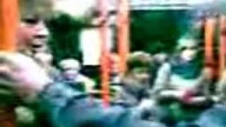 Новополоцкий контролёр Людмила Иосифовна на работе(Видео снято 26 октября 2011 года. Подробнее о звезде интернета здесь: http://www.charter97.org/ru/news/2012/11/27/61937/, 2012-11-29T12:12:47.000Z)