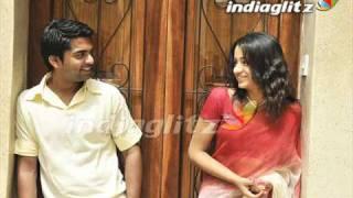 Vinnaithaandi Varuvaayaa Aaromale 1st On The Net!
