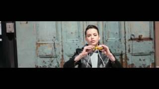 Emily DiDonato, Gigi Hadid, Adriana Lima & Kemp Muhl for Maybelline (long version)