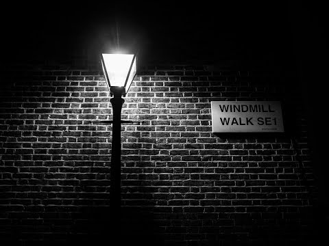 NIGHT PHOTOGRAPHY | Street Lamps & Alleyways
