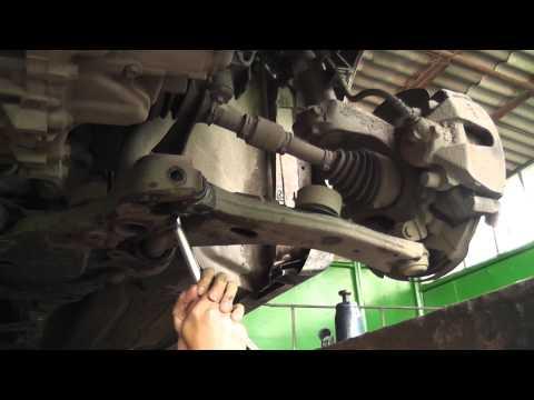 Замена рычагов Mazda 3 (1/2)