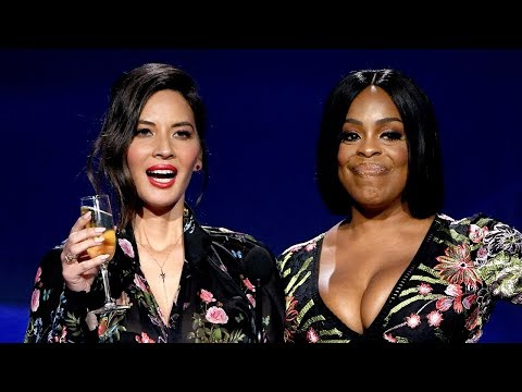 Olivia Munn MOCKS Mark Wahlberg's Salary In 2018 Critics' Choice Toast