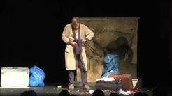 Caveman Martin Luding Einkaufsbummel