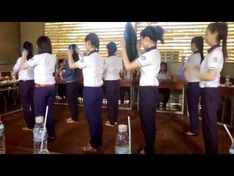 [Tập 2 ngày] Nhảy dân vũ 11a2 - THPT Hà Huy Giáp ( 2013-2014)