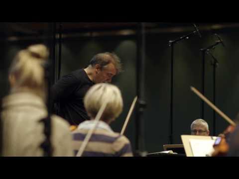 Jaime Martín and the Gävle Symphony Orchestra recording Brahms Serenades