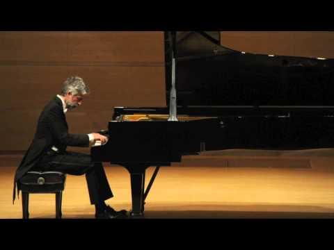 Andrea Padova plays Aria from Bach's Goldberg Variations BWV 988