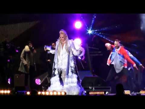 Delia - Parfum de fericire music mix ( live, Revelion 2017)