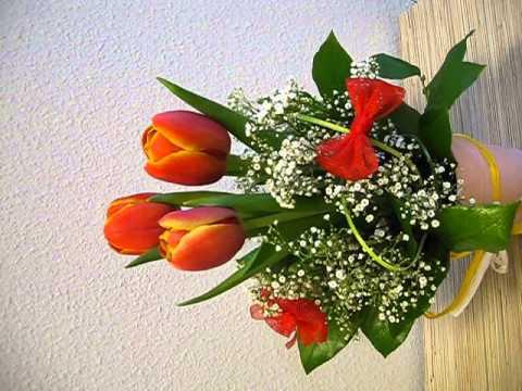 Композиция из тюльпанов к 8 Марта