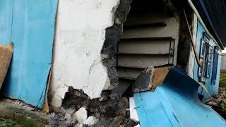 Рухнула крыша дома в Бердске