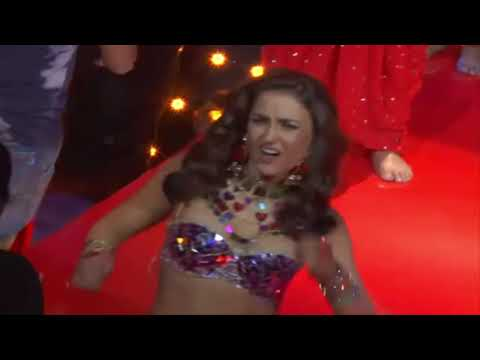 Elli Avram Embarrassing Moment In Chamma Chamma Song   Fraud Saiyaan
