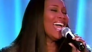 Yolanda Adams - Never Give Up