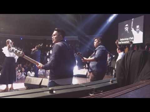 BERSUKA - OLEH DARAH ANAK DOMBA - BOANERGES WORSHIP