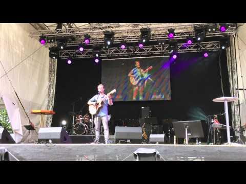 Sebastian Niklaus - In mir live auf der SWR Bühne beim Baden Württemberg Tag 2015 in Bruchsal