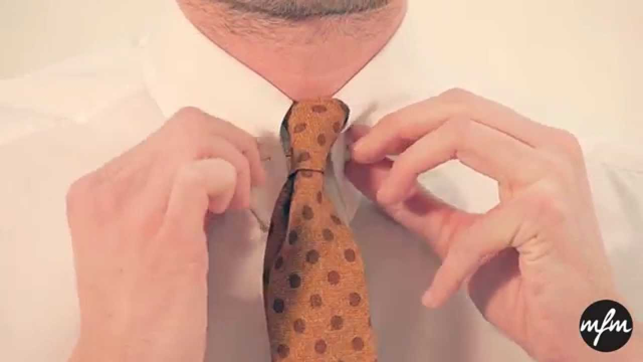 How To Tie A Tie  3 Easy But Stylish Tie Knots