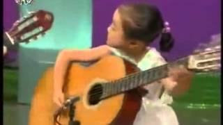Năm Em Bé Triều Tiên Chơi Đàn Guitar Điêu Luyện