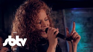 "Jess Glynne | ""Hold My Hand"" (Acoustic) - A64 [S9.EP38]: SBTV"
