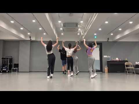 YOONA 윤아 DANCE COVER SNSD, IU, RED VELVET, BLACKPINK, TWICE, CHUNGHA