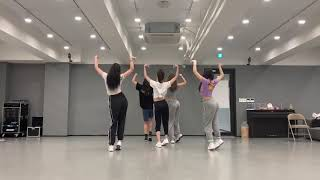 YOONA 윤아 DANCE COVER SNSD, IU, RED VELVET, BLACKPINK, TWICE, CHUNGHA