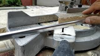 Как резать металлический уголок для плитки
