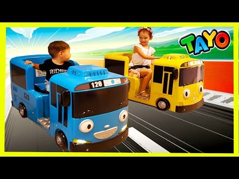 Thumbnail: The Little Bus Tayo and Lani Kids Car Amusement Riding a Bus 꼬마버스 타요와 라니 자동차 놀이