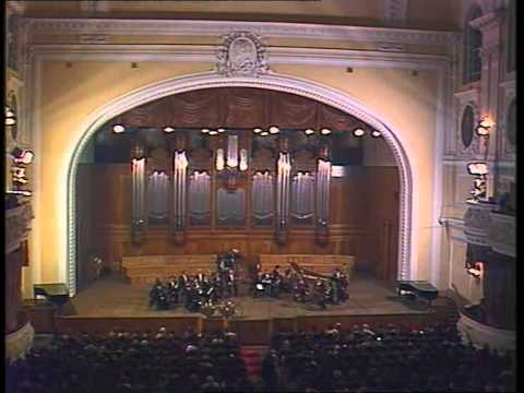 """Концерт Государственного камерного оркестра """"Виртуозы Москвы"""""""