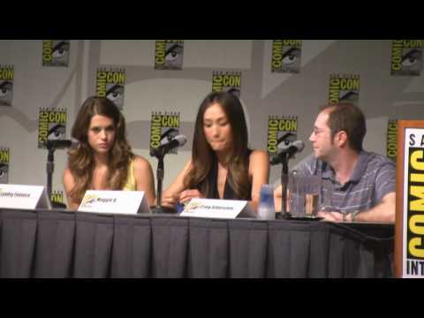 Panel Maggie Q, Lyndsy Fonseca, and Producer Craig Silverstein talk about Nikita comic con 2010.wmv