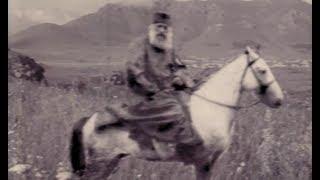 Մի ֆոտոյի պատմություն  Խրիմյան Հայրիկը` ձիու վրա