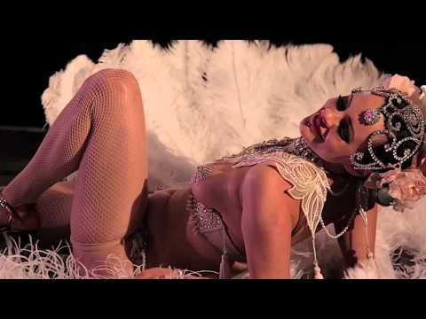 Talulah Blue Burlesque At Strawberry Fair (Film 7)