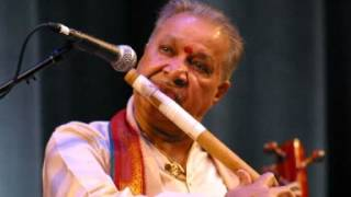Pandit Hariprasad Chaurasia - Raga Bhopali - Bansuri And Tabla - by roothmens