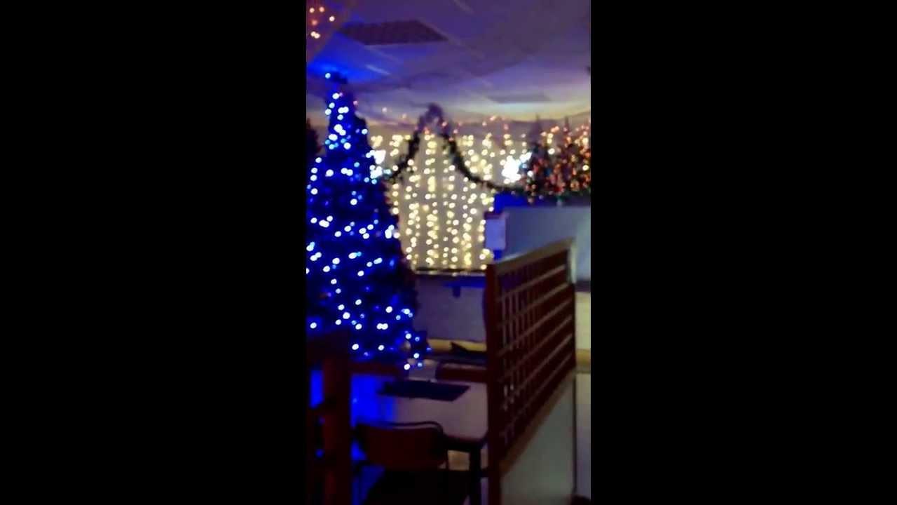 D coration de no l restaurant d entreprise no l 2013 youtube for Youtube decoration de noel