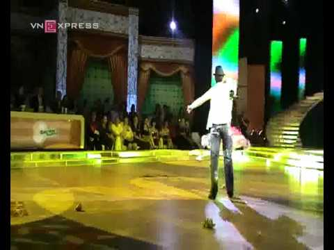 Thủy Tiên nhảy Salsa