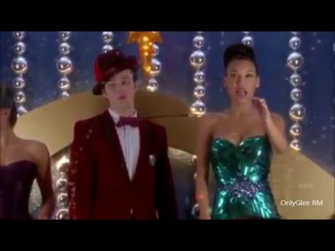 "GLEE ""Away in Manger"" (Full Performance)