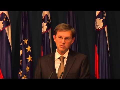 23.12.2014 Novinarska konferenca vlade Republike Slovenije - Miro Cerar