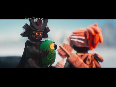 """LEGO®  NINJAGO®  - Lloyd Héroe 30"""" - Oficial Warner Bros. Pictures"""