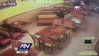 Video Muggers Target Armed Man Who Just Withdrew Cash download MP3, 3GP, MP4, WEBM, AVI, FLV November 2017