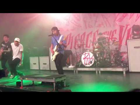 Pierce The Veil - Tangled In The Great Escape (ft. Jason Butler of Letlive.) | [07.11.2016]