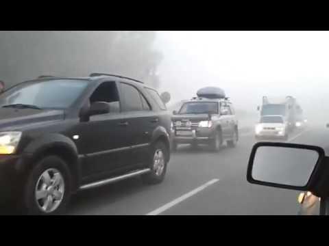 видео: ОЧЕНЬ страшная Авария в тумане, ЭТО надо видеть! ЖЕСТЬ!