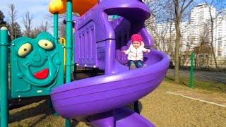 ВЛОГ: Видео для детей. Парк аттракционов. Карусель. Детская площадка