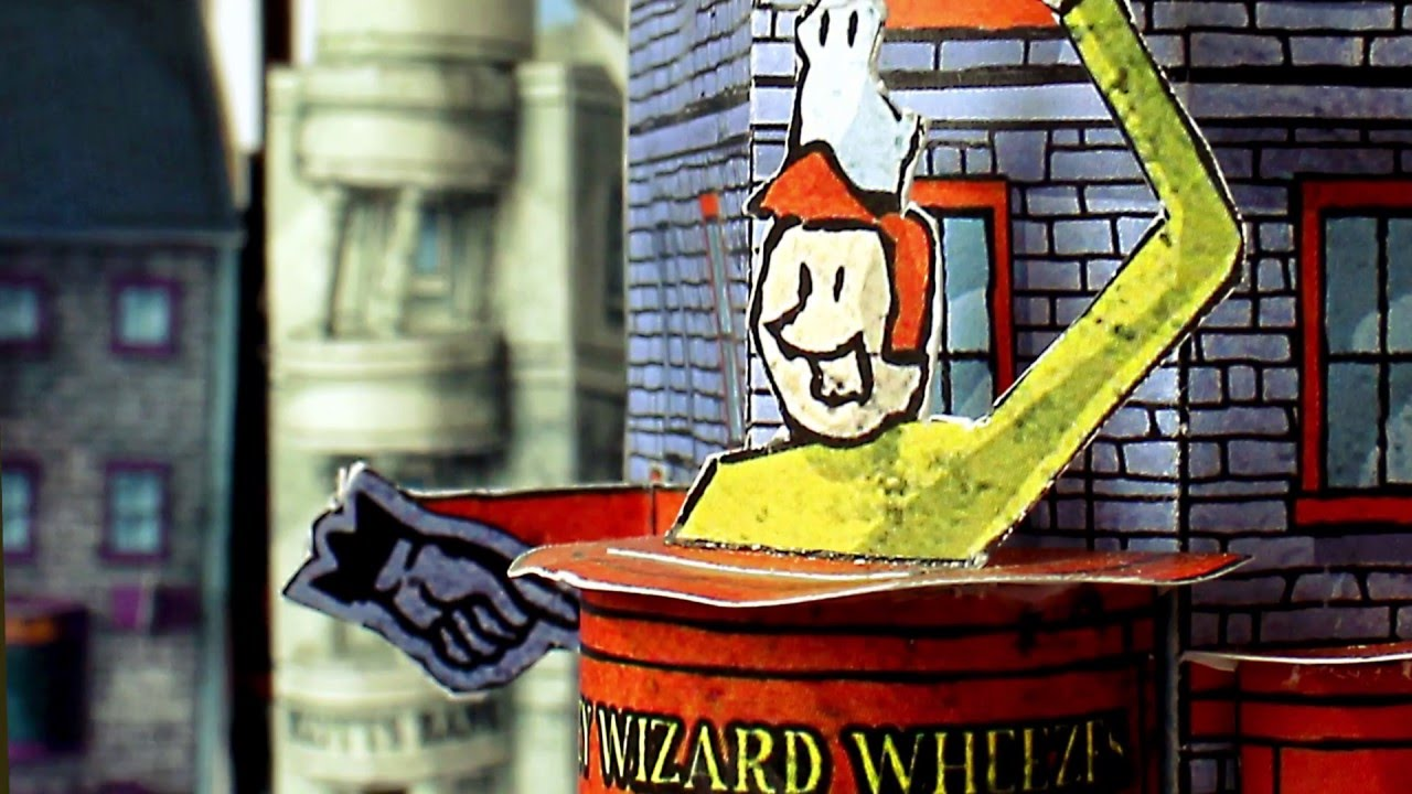 Papercraft DIAGON ALLEY PAPERCRAFT - Cut & Assemble Paper Model Kit