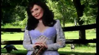 Watch Loretta Lynn Somewhere Someones Falling In Love video