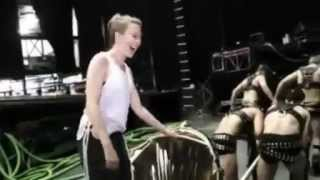 Kylie Minogue - Too Much (Video)