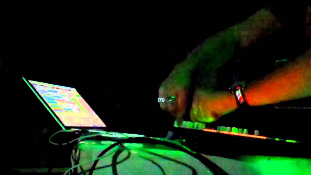 dubmatix-show-down-rebel-massive-2013-oscar-felipe-hernandez-zacarias