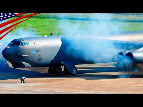 B-52 Bombers Scrambling: All Bombers Minimum Interval Takeoff - B-52爆撃機のスクランブル・15秒間隔で基地の全ての爆撃機を緊急発進