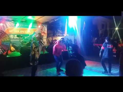 Ade Idola ( Live Perform At Gor Waringin )